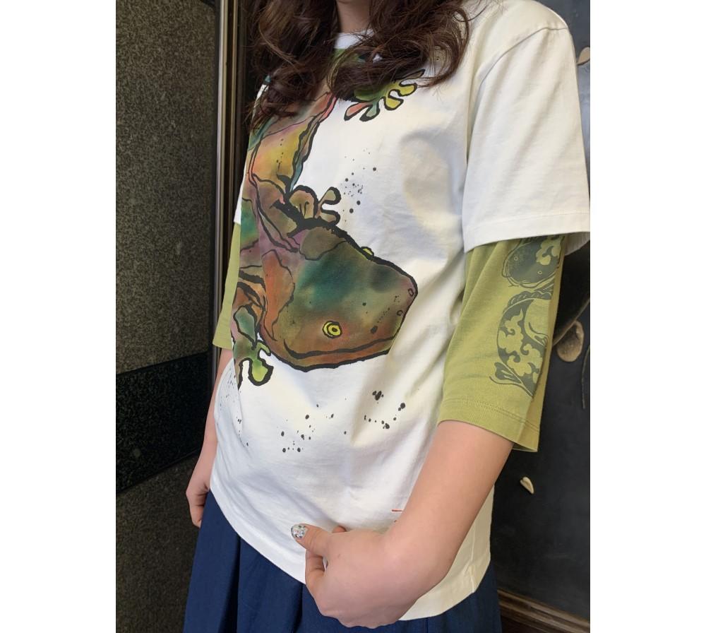 大山椒魚Tシャツアップ