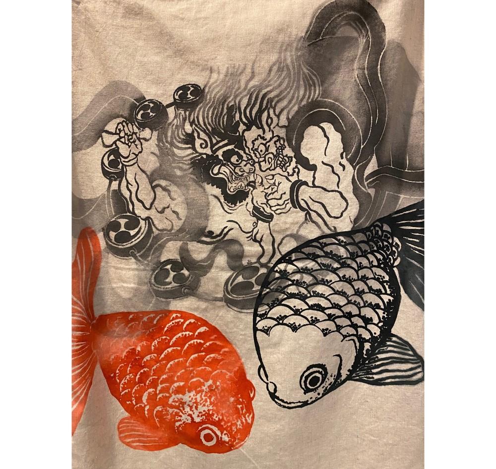 金魚の夢 背中