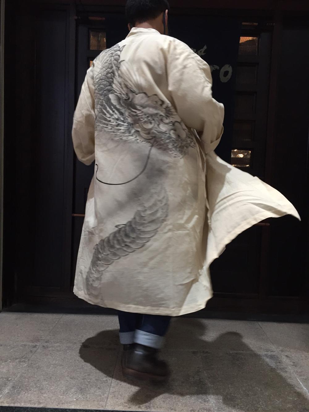 龍のコート(後ろ)
