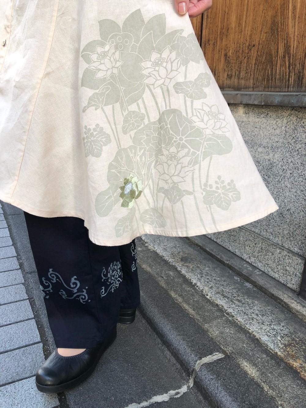 ふわり裾舞花ワンピースインディゴタックパンツ -花唐草- (1)