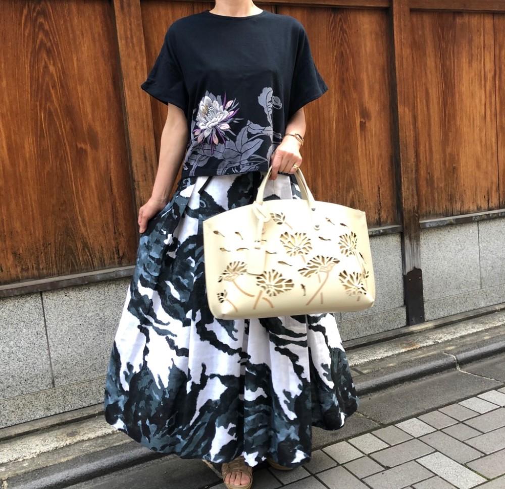 月下美人金魚カービングバッグ (2)